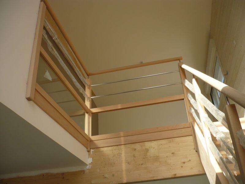 Escalier Bois Et Blanc : Pin Escalier En Bois Blanc Et Large Droit on Pinterest